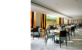 Frangipani Restaurant - Trident Five Star Hotel in Mumbai
